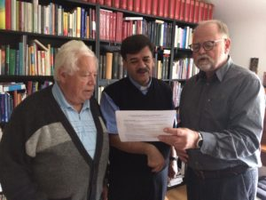 Vorbereitung eines Fördervereins für die Arab Episcopal School Irbid Jordanien. Von linke nach rechts Diakon i.R. Gunter Hell, Pfr. Samir Esaid und Dr. Winfried Dalferth